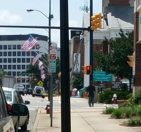 flags-along-Main-honor-veterans